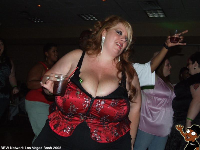 Amateur nude selfie asian girl flashing